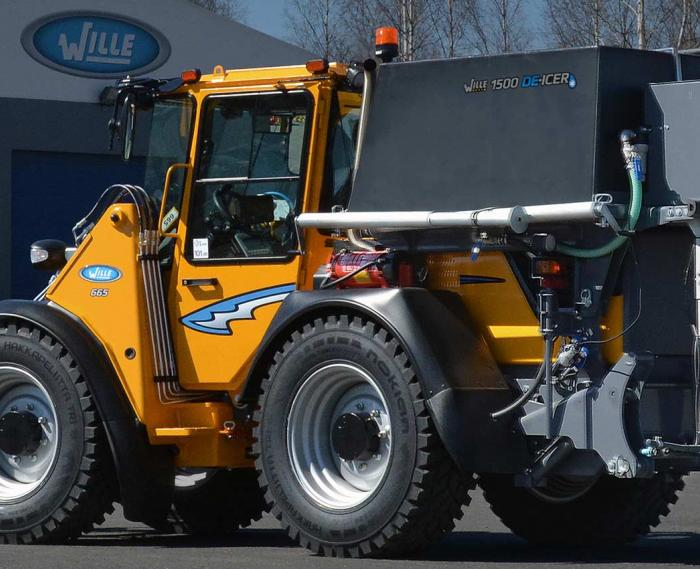 Wille Optim 1500 De-icer on Wille 665