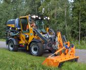 Wille 465 with side mulcher