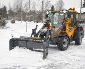 Wille Optim ZoomPlus 290 snow plow with Wille 465 in action, plowing snow