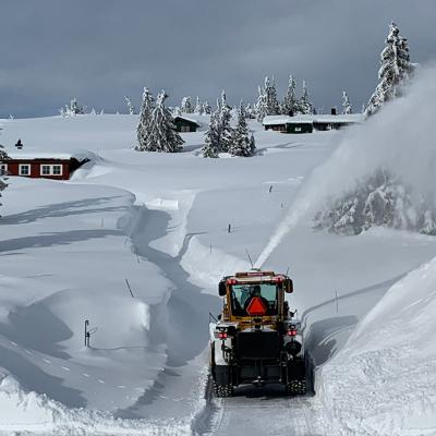 W865 with snow blower in Norway